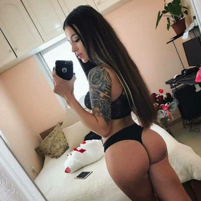 Sexy girl ass selfie