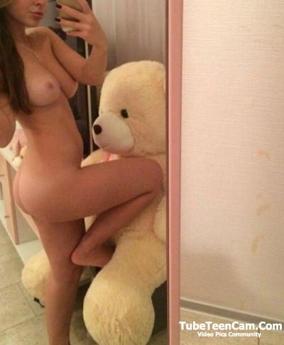 Nude Helga