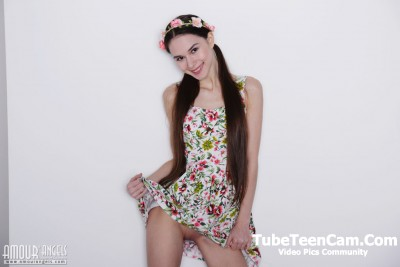 Nude Teen Leona Mia