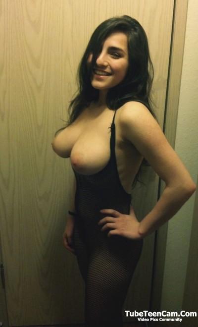 Amateur sexy brunette got boobs