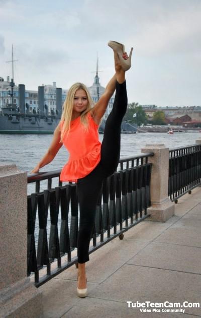 So pretty teen babe with long legs ))