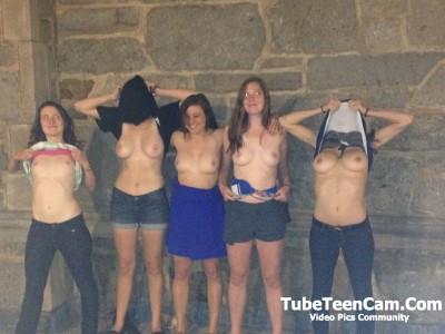 Nude Girls at Public Place Amateur Pics :))