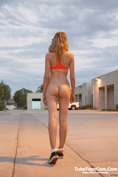 Cute 18 teen girl naked outdoor