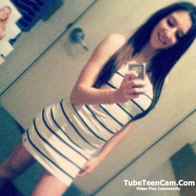 I'll send nudes to any guy who'll be fun for me, hey guys lets chat on kik @ anniemonson