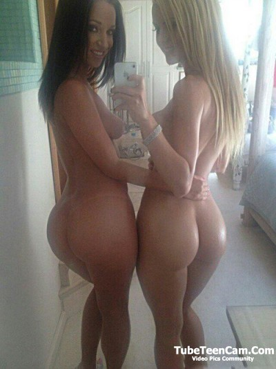 Two nude sexy girls with big fat ass make cool selfie