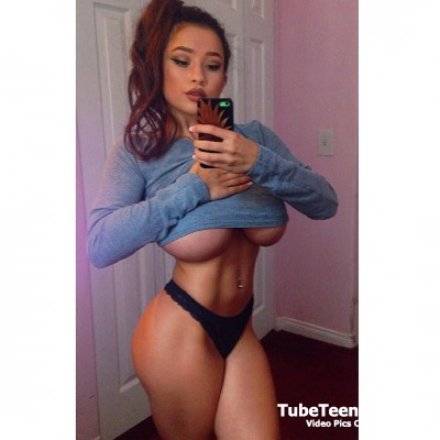 Elizabeth Anne Sexy Selfie