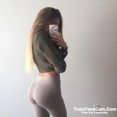 Perfect body teen girl selfie