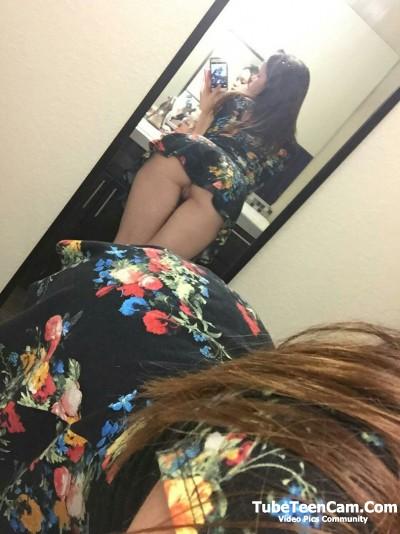Horny teen nude pussy