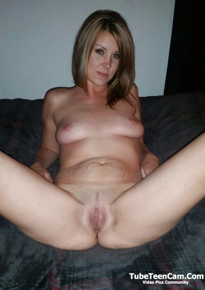 Flashing tits and pussy