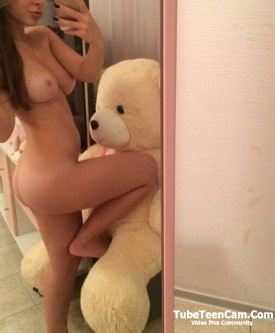 Sexy nude teen selfie with teddy bear